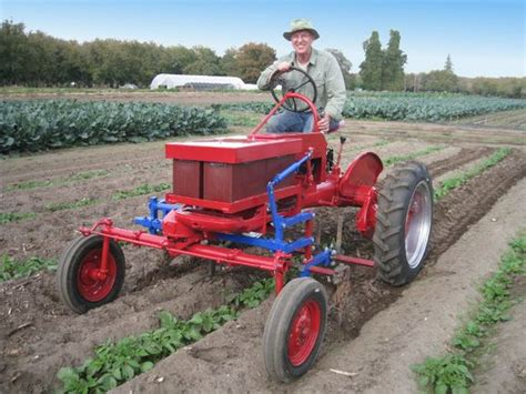 farmall cub electric conversion electric solar tractors