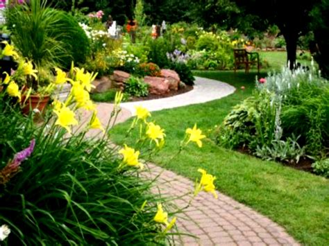 Landscape Ideas For Backyard Simple Design 24 Landscaping Landscaped Backyard Ideas