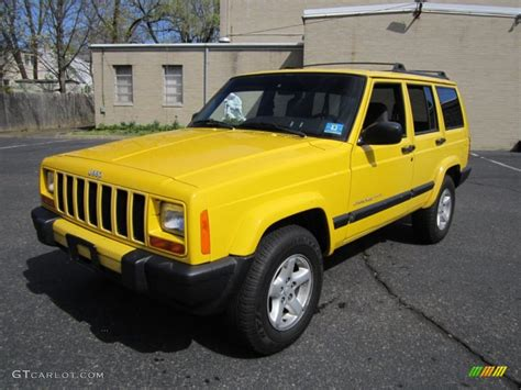 Solar Yellow 2001 Jeep Cherokee Sport 4x4 Exterior Photo