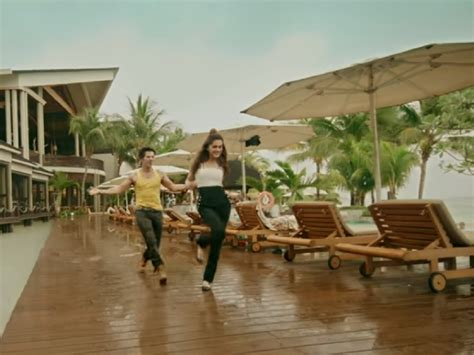 bookmyshow judwaa 2 style decode the trio of judwaa 2 are giving us extreme