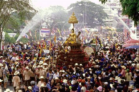 thailand new year song songkran festival 2013 weltreise info
