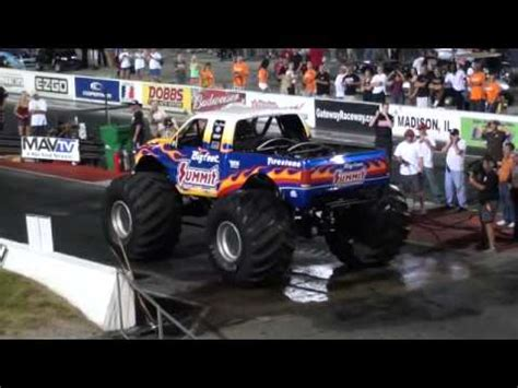 monster truck drag racing bigfoot monster truck drag racing non hd version youtube