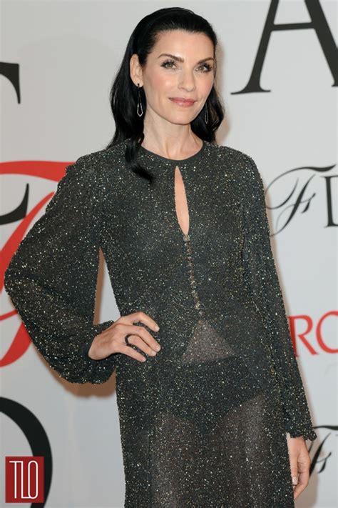 julianna margulies flash goes viral actress dons glitter girl that s not your dress julianna margulies in michael