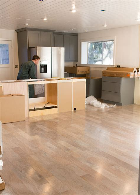 How Much To Charge To Install Kitchen Cabinets kitchen chronicles the cabinets amp floors are in jenna