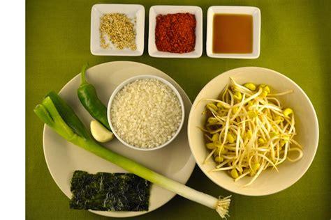 come cucinare i semi di soia zuppa di germogli di soia e riso kongnamul gukbap
