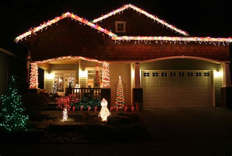 christmas lights on roof diy hanging lights on your roof ebay
