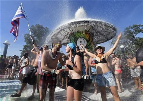 Big company buys controlling stake in Bonnaroo music festival   Times Free Press