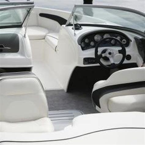 Vinyl For Boat Interior by 25 Best Ideas About Boat Seats On Pontoon