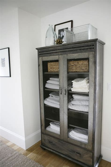 Linen Shelf by Best 25 Linen Storage Ideas On