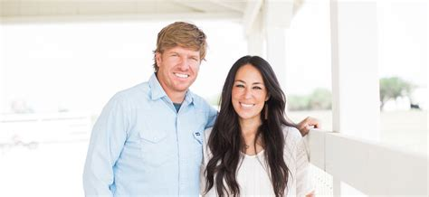 chip and joanna gaines facebook chip and joanna gaines of hgtv s fixer upper accused of