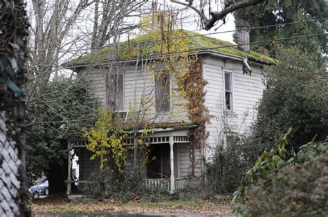 a tour of the abandoned houses of corvallis local