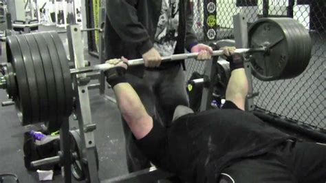 700 bench press eric spoto bench press 600 raw 6 reps youtube 700 lbs