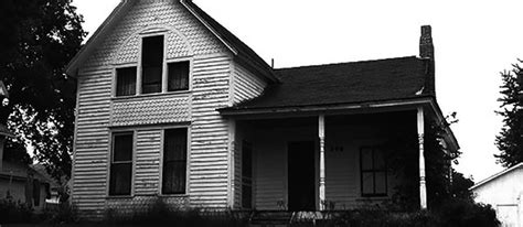 villisca axe murder house 10 haunted places you can actually go spend the night in and how much they cost