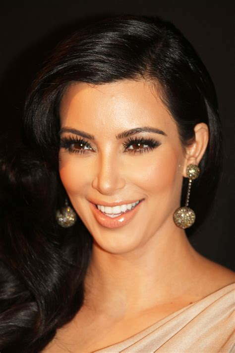 kim kardashian cosmetics shop kim kardashian cosmetics kim kardashian