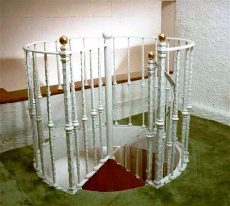 ringhiera per scale oltre 20 migliori idee su scale in ferro battuto su