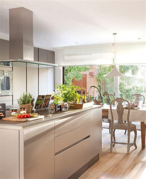 cocinas con isla ikea 3 cocinas abiertas muy bien integradas
