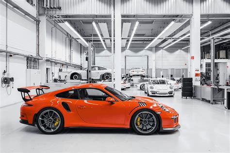 new porsche 911 gt3 rs porsche 911 gt3 rs 2015 review car magazine