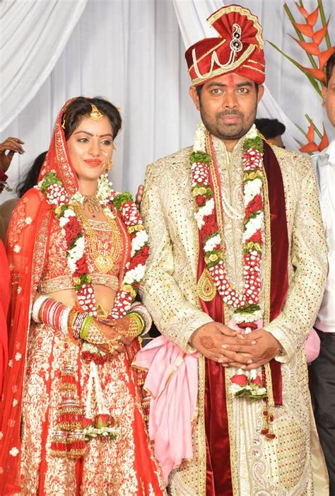 actress deepika singh marriage photos pix diya aur baati hum star deepika singh gets married