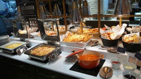 Kfc All You Can Eat Buffet Inside Japan S Newest All You Can Eat Kfc Kotaku Australia