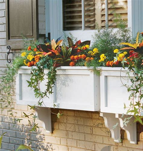 Cool Outdoor Planters by 35 Cool Vintage Looking Garden Pots Shelterness