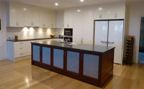 Traditional Kitchens   Inavogue