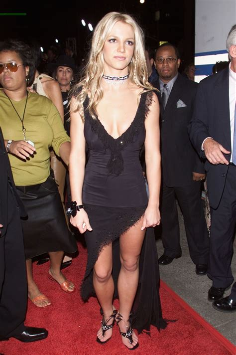 britney spears vma 2000 this is what the vma red carpet looked like in 2000 mtv