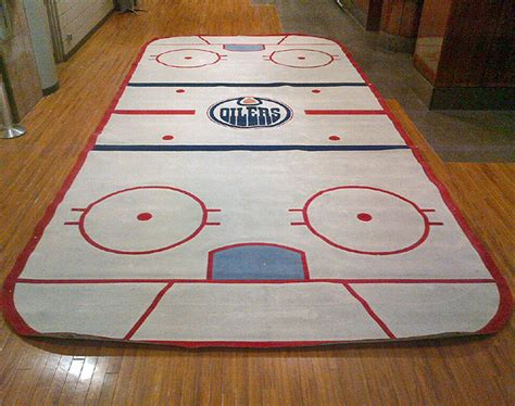 hockey rink rug edmonton oilers locker room hockey rink carpet from 2007 to 2013 nhl auctions