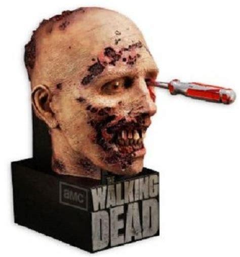 bmv medien bietet  walking dead season   zombie