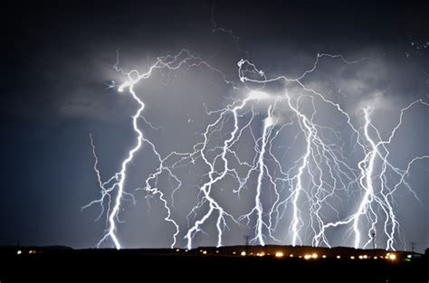how to take photographs of lightning phototalk