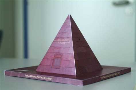Papercraft Pyramid - kit applied geometry cagd research paper models