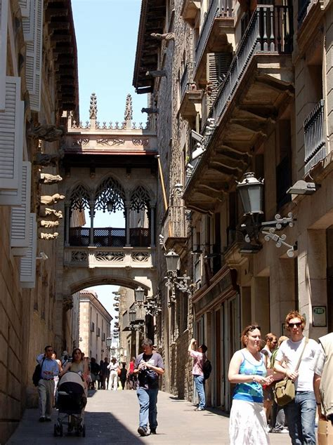 barcelona gothic quarter spain ecsuabroad
