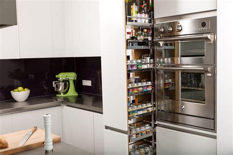 amenagement placard de cuisine cuisine amenagement interieur placard cuisine avec clair