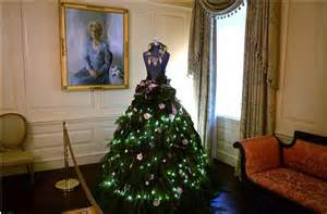 dress forms christmas trees at the white house
