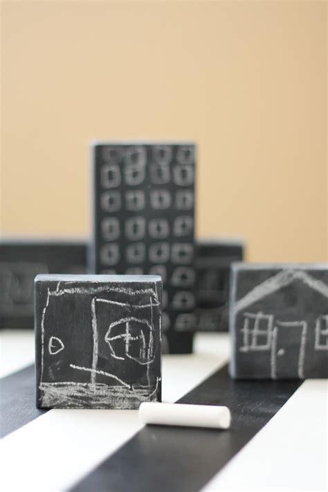 Handmade Chalkboard - chalkboard blocks and handmade winter e book review