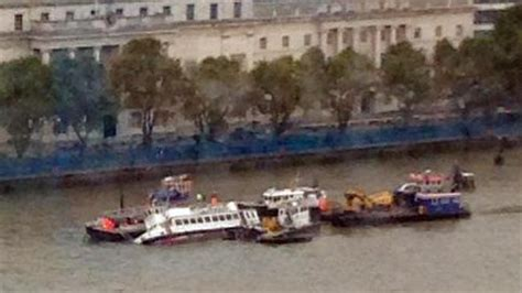 thames river cruise sinking sinking river thames party boat made stable by