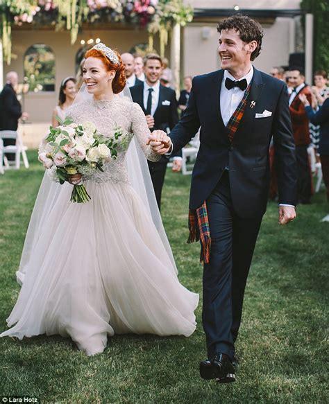 emma watson wiggles the wiggles emma watkins looks stunning as she marries
