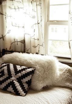 black and white bedrooms with a splash of color 1000 images about black white bedrooms on