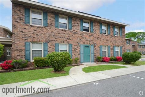 one bedroom apartments newport news va chestnut arms apartments rentals newport news va