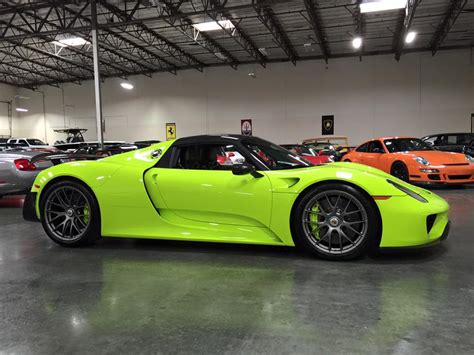 Gallery Up Close With Acid Green Porsche 918