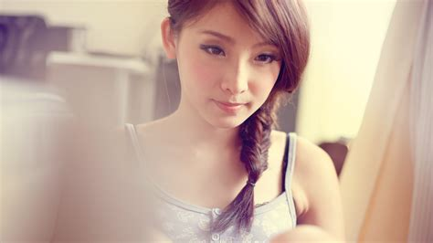 who is the pretty asian lady on the new viagra commercial pretty asian lady 6949031