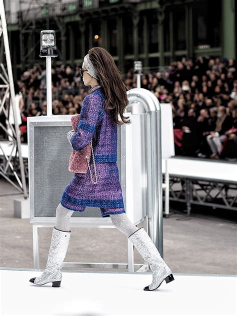 epic collection fall of the pantheon chanel throws the most epic show of the season yoyokulala