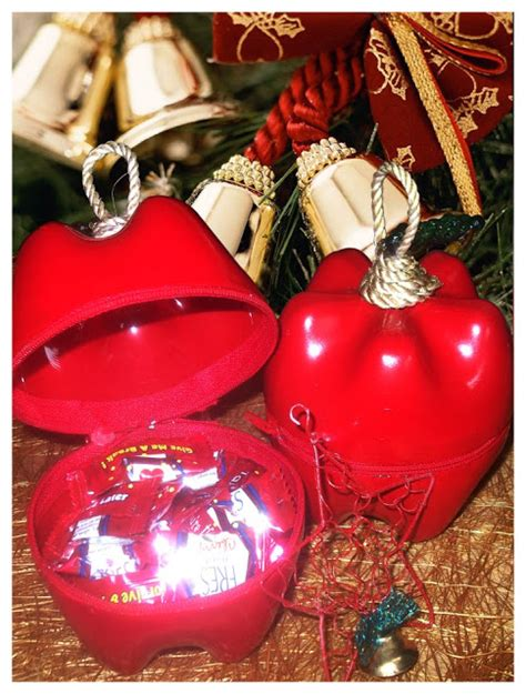 how to recycle recycled christmas decorating ideas