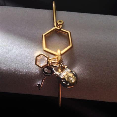 Origami Owl Bracelet - origami owl origami owl bangle bracelet from