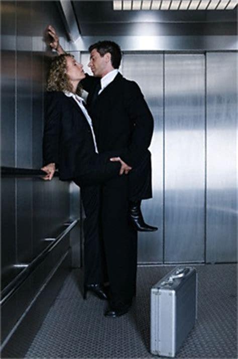 sesso in ufficio le dieci regole per fare sesso in ufficio gqitalia it