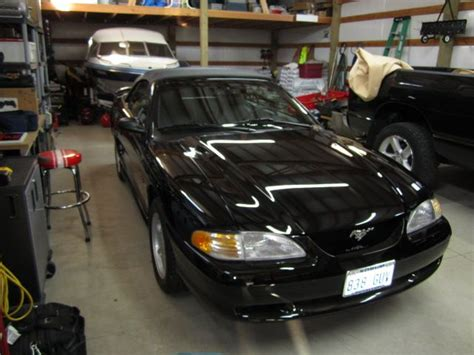 make ford model mustang year 1996 style