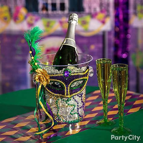 mardi gras table decorations mardi gras chagne idea mardi gras decorating