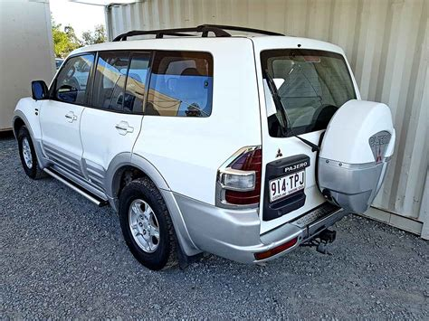 mitsubishi pajero 2000 automatic mitsubishi pajero exceed 2000 white used