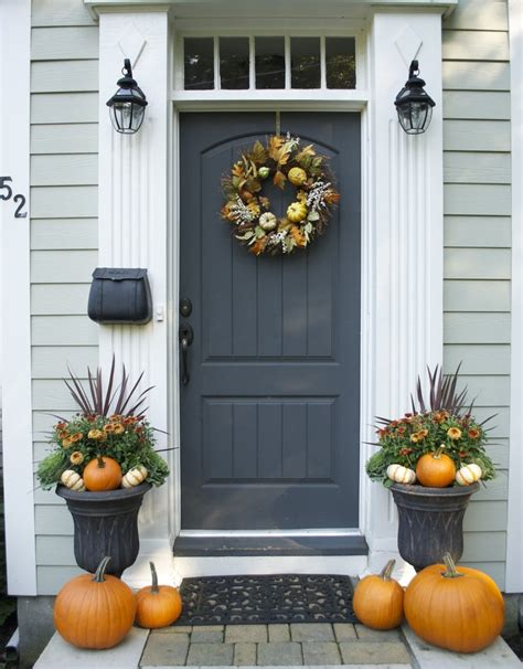 47 and inviting fall front door d 233 cor ideas digsdigs - Fall Front Door Decorating Ideas