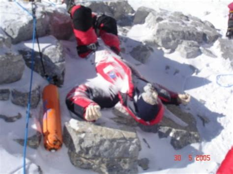 rob leiche 10 harrowing stories of and on mount everest