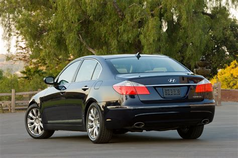 Hyundai Genesis Recalls by Hyundai Recalls 43k Genesis And Equus Models For Faulty